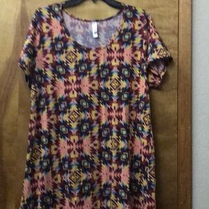 LulaRoe Perfect T, XL.